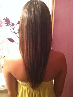 V cut haircut with long layers
