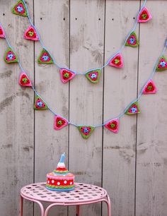 Ak at home: crochet * flags bunting how to