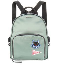 Miu Miu - Rucksack glänzend grün mit Logo-Patches und gestreifte Rippdetails