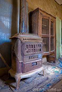 Interior of an abandoned house by Hasan Can Balcioglu, via Dreamstime.