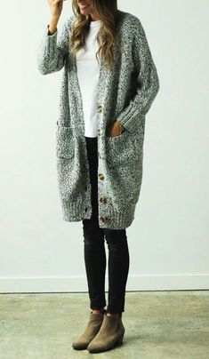 Can I live in this sweater. Looks great for a easy casual warm outfit this fall Look Fashion, Fashion Outfits, Womens Fashion, Fall Fashion, High Fashion, Swag Fashion, Japan Fashion, India Fashion, Fashion 2017