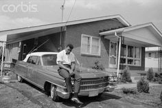 Cassius Clay soon to be known as Muhammad Ali at his parents' house in Louisville Kentucky Louisville Slugger, Louisville Kentucky, Kentucky Derby, Old Pictures, Old Photos, Vintage Pictures, Land Between The Lakes, Red River Gorge, Hometown Heroes