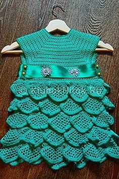 Зеленое платье для девочки крючком   Вязание для девочек   Вязание спицами и крючком. Схемы вязания.
