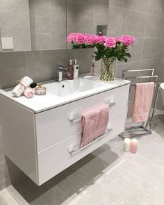 4692 The post 4692 appeared first on Badezimmer ideen. - 4692 The post 4692 appeared first on Badezimmer ideen. 4692 The post 4692 appeared first on Badezimmer ideen. Black Bathroom Sets, Pink Bathroom Decor, Grey Bathrooms, Bathroom Interior Design, Beautiful Bathrooms, Master Bathroom, Bathroom Ideas, Bathroom Gray, Bathroom Modern