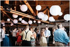 fishermen's inn, elburn, illinois, chicago, wedding photographer, pink wedding dress, barn wedding,