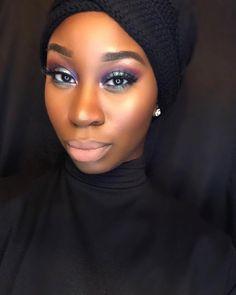 """#MOTD inspired by @motivescosmetics called ""Northern Lights"". #BeautyBlogger #BBlogger #IGBlogger #WakeupAndMakeup #MOTD #LOTD #MakeupLover #MakeupWorld…"""