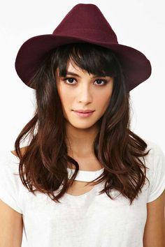 Love the hair cut! & the hat! <3