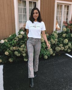 It's the season where I keep adding to my plaid pants collection. Spring Summer Fashion, Autumn Winter Fashion, Spring Outfits, Looks Style, Looks Cool, My Style, Plaid Pants Outfit, Ankle Pants Outfit, Ootd Fashion