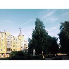 """#InstaSize #russia #komi #syktyvkar #gebaude #flawless #makellos #beautiful #trees #town #vscogood #vscocam #vsconature #nature #zuhause #building #sky…"""