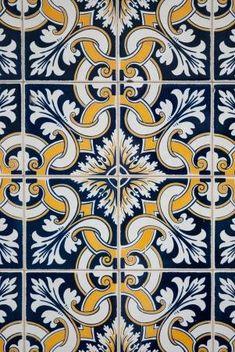 Old Typical Portuguese Tiles azulejos Tile Patterns, Textures Patterns, Decorative Tile, Decorative Boxes, Tile Design, Pattern Design, Spanish Tile, Portuguese Tiles, Tile Art