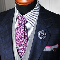 One of our most popular sets - The brandy purple! Including: The brandy small floral tie, straight silver tie clip, pearl grey lapel pin and grey check pocket square.