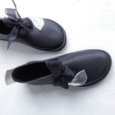 Hand made in England – FAERYSTEPS Handmade Leather Shoes, Barefoot Shoes, Comfortable Boots, How To Make Shoes, Doc Martens, Me Too Shoes, Fairy Tales, Shoe Boots, Slippers