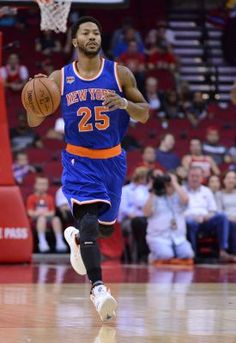 Derrick Rose will play for Knicks tonight, then go to LA for civil rape trial | Newsday