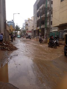 "#Bangalore #Doddanekkundi ""people are not even able to walk... the roads are badly cut and people are falling from the bykes as they are not able to see the cut roads"" Pratyush. Click on the link to VOTE UP Prathyush's complaint to get the issue resolved faster: http://bit.ly/SjcpPE"