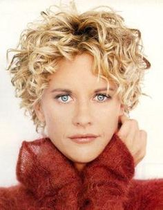 Meg Ryan always has the best hair cuts. I love Meg Ryan. Curly Pixie Cuts, Haircuts For Curly Hair, Short Hair Cuts, Short Hair Styles, Perms For Short Hair, Curled Pixie, Messy Pixie Haircut, Messy Hairstyle, Choppy Haircuts
