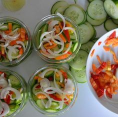 Komkommers inmaken Bbq Party, Canning Recipes, I Love Food, Fresh Rolls, Pickles, Great Recipes, Food And Drink, Vegan, Vegetables