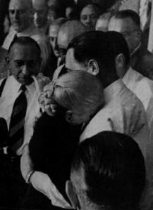 Juan and Eva Perón, after she rescinds her candidacy for Vice Presidency of Argentina due to terminal cancer Evita Musical, Dont Cry, The More You Know, Historical Photos, Crying, Life, Inspiration, White Photography, Civilization