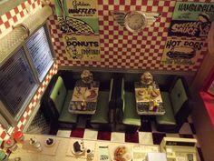 Miniature 50's diner