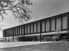 Edificio Administrativo para Bacardi enTultitlán, México. Arq. Mies van der Rohe