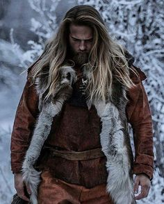 Waiting for the new episodes of Vikings which kicks off today December on 📺 I can´t wait to see what you guys have been cooking up with Ragnar and the lads! The Vikings of Norway will be watching you for sure 🤓👏🏼 Photo by 📸 Norwegian Men, Swedish Men, Pretty Men, Gorgeous Men, Vikings, Hair And Beard Styles, Long Hair Styles, I Love Beards, Viking Men
