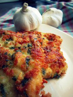 De ce să ne limităm la clasicul șnițel românesc, când sunt atâtea moduri de a mânca ceva gustos și usor de preparat ? Astăzi vă propun un șnițel din piept de pui, în stil italian, cu usturoi, parmezan și părunjel. Delicios ! Timp de gătire: 15 minute Cantitate: 4 porții- 8 șnițele medii • 1 …