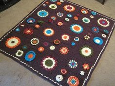 Garden State Afghan #crochet designed by Julie Yeager via @Marie Underground Crafter includes eight 4″ squares, four 8″ squares, and two 12″ square patterns