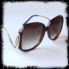 Retro sunglasses, and not being afraid to wear the grooviest ones