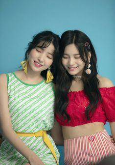 "Gfriend Summer Mini Album ""Sunny Summer"" Photoshoot Behind Cr: Source_Music Extended Play, Pop Group, Girl Group, Gfriend Album, Kim Ye Won, Gfriend Sowon, Cloud Dancer, Love U Forever, Girl Bands"