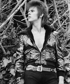 Love this Bowie look. When I fell in love!