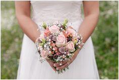 Vintage Hochzeit eines wundervollen Brautpaares mit vielen tollen DIY Ideen für eure perfekte Hochzeit im Vintage Stil mit Farbeschema Rosa und Pastell.