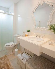 Inspiração para banheiro clean  #homedecor_sh #lardocelar  #decoração  #aconchegante  #cores  #estilo  #dica  #2017  #inspiraçãodaInternet (Foto da Internet )