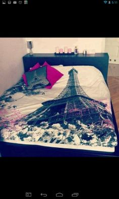 This Paris bed set rocks