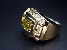 14K Yellow gold Men's Color Diamond Ring