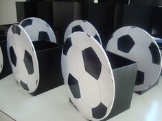Soccer Birthday Parties, Football Birthday, Dad Birthday, Football Crafts, Football Themes, Soccer Centerpieces, Barcelona Party, Soccer Coach Gifts, Soccer Decor