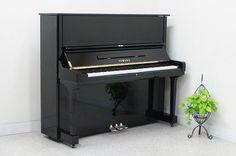Đàn piano Yamaha U3H là 1 trong những sản phẩm dòng U series được trang bị những tính năng mới nhất và được đánh giá rất cao về chất lượng âm thanh.