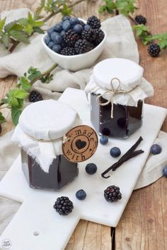 Heidelbeer-Brombeer-Marmelade - Rezept - Sweets & Lifestyle® - Heidelbeer-Brombeer-Marmelade – Rezept – Sweets & Lifestyle® Estás en el lugar correcto para h - Healthy Eating Tips, Healthy Nutrition, Banana Recipes, Cake Recipes, Blackberry Jam Recipes, Blueberry Jam, Buttermilk Cake Recipe, Banana Cream Cheesecake, Vegetable Drinks