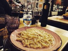 #travellers #traveladdicted #food #delicious #goodfork #pasta #pici #cacio #pepe #love #colors #wine #chianti #deliciousdinner #dietaazona #panciamiafattocapanna #tuttomoltobuono #siena #tuscany