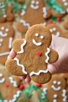 Classic Gingerbread Cookies From Scratch - Life Made Simple - Recipes. Holiday Cookies, Holiday Treats, Christmas Treats, Holiday Recipes, Holiday Desserts, Christmas Recipes, Christmas Goodies, Christmas Time, Italian Christmas