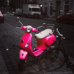 Pink Moped, Cute Pink, Ideas, Motor Scooters, Vienna, Princess, Bedroom, Thoughts