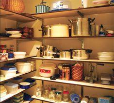 Arredare e organizzare la casa è sempre qualcosa di divertente, oltre che organizzare gli ampi spazi con mobili e l'arredamento che più si addice ai nostri gusti, dobbiamo anche ricordarci degli spazi più piccoli ma comunque molto utili. Vogliamo parlare del ripostiglio (o sgabuzzino)? Questo piccolo spazio nella nostra casa avrà sempre un'utilità fondamentale in [...]