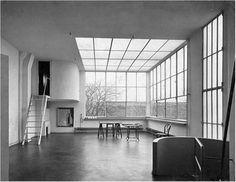 "alpmangunes: "" Atelier Ozenfant - Le Corbusier - 1922 ""The house and studio in Paris for Le Corbusier's friend the painter Ozenfant is an early example of 'minimal' architecture, a prototype of the. Space Architecture, Architecture Details, Chinese Architecture, Futuristic Architecture, Minimal Architecture, Architecture Images, Le Corbusier Arquitectura, Villa Savoye, Art Deco"