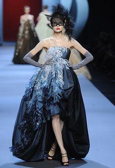 Dior 2011 Fashion Show | Prom Mafia» Blog Archive » A Dash of Dior