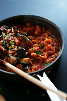 One Pot Pasta Recipe | #vegan | minimalistbaker.com