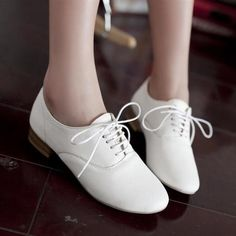 2017 Retro Womens Lace Up Heel Pump Oxfords Leather Brogues Style Shoes Sz 4 10 Oxford Shoes Outfit, Women Oxford Shoes, Oxford Flats, Korean Shoes, Leather Brogues, Lace Up Flats, Top Shoes, Flat Shoes, Vintage Shoes