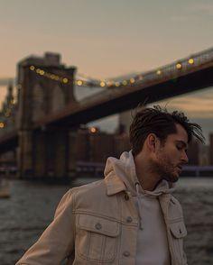 "11.8 mil Me gusta, 81 comentarios - Adam Gallagher (@iamgalla) en Instagram: ""fleeting, reeling"" Adam Gallagher, Creative Instagram Stories, Instagram Story Ideas, Instagram Pose, Instagram Fashion, Summer Poses, Summer Outfits Men, Summer Men, Hipster Man"