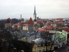 Tallinn is a very interesting city to explore. and the heritage listed medieval old town is amazingly beautiful. Christmas Wonderland, Old Town, Beautiful Landscapes, Barcelona Cathedral, Paris Skyline, Medieval, Places To Go, Beautiful Places, Scenery