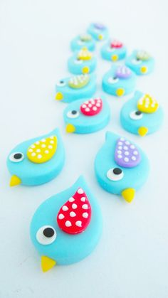 Miniature Polymer Clay Animal for Dollhouse and Beads Jewelry, 12 pieces  Made from polymer clay, handcrafted item Dimension: 2.5*1.5*0.5 cm  Suitable for dollhouse collection, Blythe or Barbie and polymer clay jewelry,  Polymer clay jewelry is cute and beautiful.
