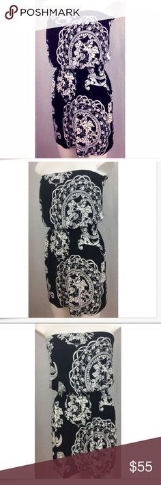 "White House Black Market Strapless Dress XS Women's White House Black Market Strapless Black And White Paisley Dress SZ XS  Bust- 15""  Length-27"" Polyester, Spandex White House Black Market Dresses Midi"