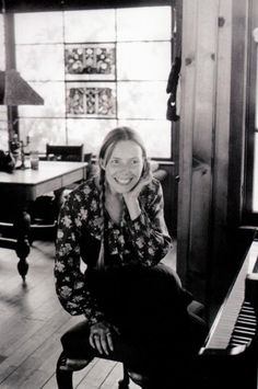 Joni Mitchell in her Laurel Canyon home