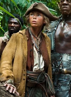 i never knew until now that robbie kay (peter pan) was the cabin boy in Pirates of the Caribbean: On Stranger Tides
